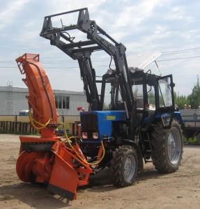 УНИКУМ -82 новая УНИверсальная Коммунально-Уорочная Машина   на базе трактора МТЗ 82.1